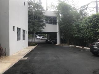 Edificio de Oficina de dos pisos en Las Lomas