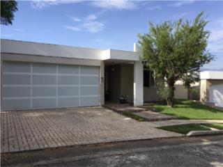 Hermosa Casa en La Villa de Torrimar - $540K