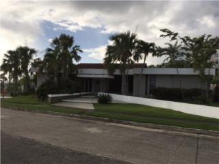 Hermosa Casa en La Villa de Torrimar - $840K