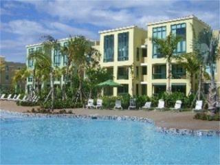 Aquatika Short Sale! frente a piscina!!