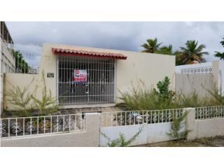 882 Sentina St Villa del Carmen, Ponce