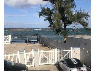 Playa Puerto Nuevo• Vega Baja • Frente al Mar
