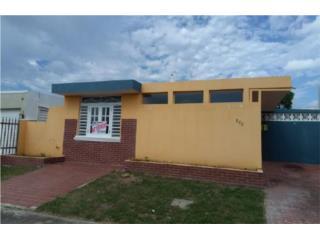 Urb Villa Del Carmen, calle Segobia #288, Ponce.