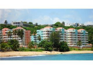 Isabela Beach Court, Beach Access, Pool!