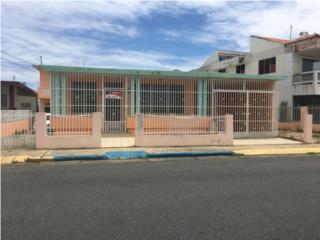 Ave. Noel Estrada, centro pueblo Isabela