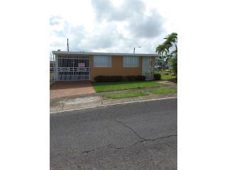 Casa de 4 cuartos,en Urb Villa Hilda Yabucoa