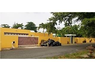 Es una Mansion en Toa Baja, PR.