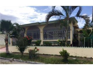 Jardines Arecibo. Aportación $3,000 Para gastos
