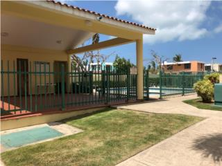 Apartamento con patio y terraza