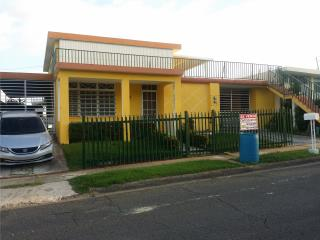 ROUND HILLS VIVA DE RENTAS