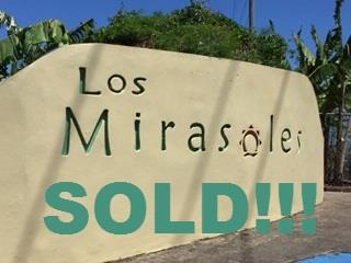 SOLD!!! URB. LOS MIRASOLES- HUD APORTA 3%