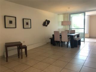 Hermoso y espacioso apartamento,Trujillo Alto