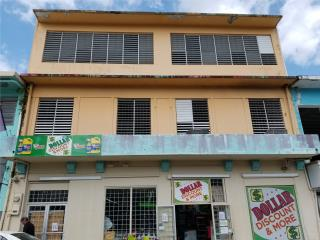Edificio Comercial en el centro del Pueblo!!!