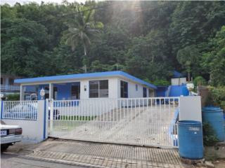 Levitown CASA EN BUENAS CONDICIONES