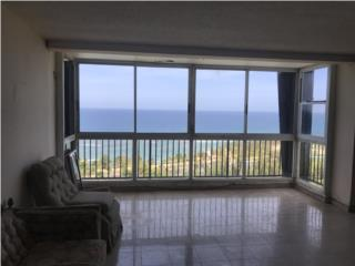 A 2 LEVEL PH WITH ASTONISHING OCEAN VIEWS