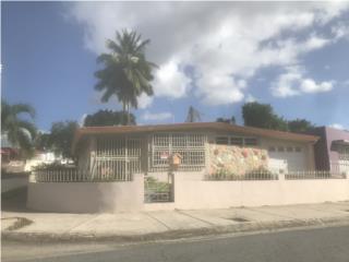 Santa Juanita Esquina
