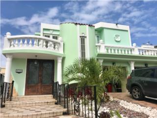 CASA DE REVISTA! COCO BEACH RESORT $245K