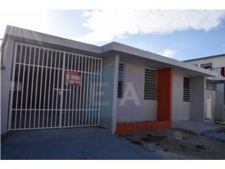 Urb Villa Carolina cll 435 remodelada