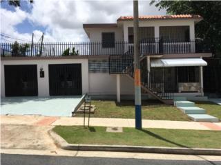 Parkville, casa 2 niveles, $168,500