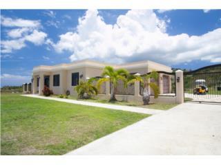 Luxury Home with Ocean Views, Bo. Calvache