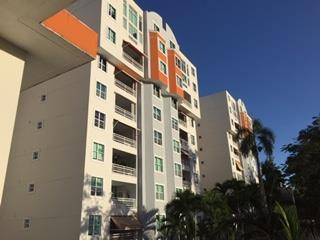 Hills View Plaza listo para mudarse