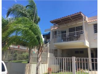 HERMOSO TOWNHOUSE CON VISTA AL MAR
