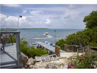 Frente a Guilligan's Island y el Mar Caribe