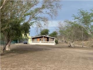 2 Casas, Carr.301, Hacia Playa El Combate.