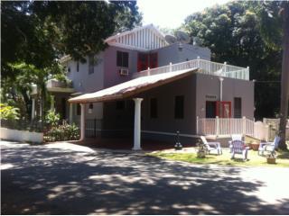Urb. El Batey, Casa unica, Control de acceso.
