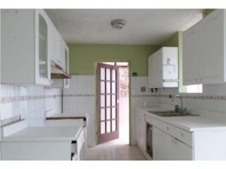 Urb Levittown! Calle paseo Diana