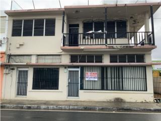 Cómodo Edificio en la Lauro Pinero de Ceiba