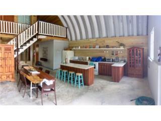 Hangar convertido en casa