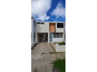 $60,000 TOWN HOUSE 3 HAB. 2 1/2 BANOS