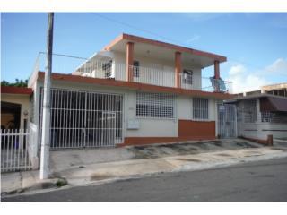 Urb Altamesa- Casa con 5 apartamentos
