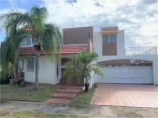 Villas De La Playa 787-644-3445