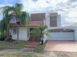 Villas De La Playa / Vega Baja