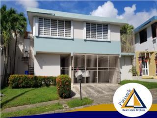 En venta propiedad de dos niveles Bienes Raices Puerto Rico