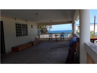Piñones AIRBNB, calle Playa Casa $195k obo