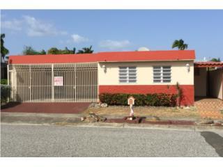 Amplia casa en Jardines del Ponce