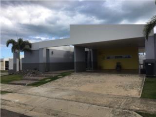 Casa de esquina Preciosa move in ready