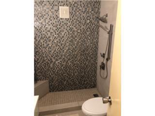 $149,999 Penthouse con Terraza-Baño Remodelad