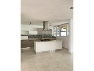 Sevilla Biltmore - 2,000p2 3/2.5 $289,000.-