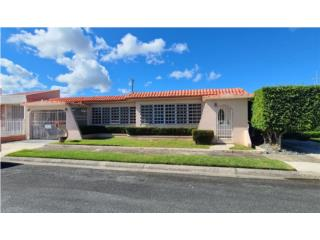 Urb Santa Rosa, Bayamon $139,000 Negociable