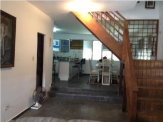 Se vende, Arecibo, Las Navas, casa dos nivele