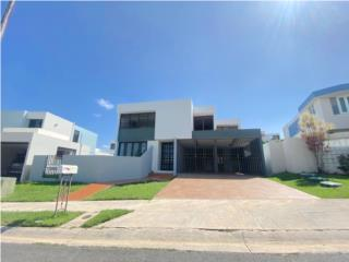 Beautiful two-Story House in Urb. Mansiones Reales