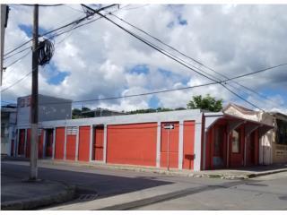 Calle León, Esquina Tricoche