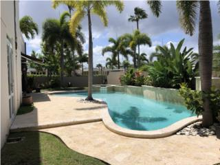 Beautiful house with pool , excellent locatio