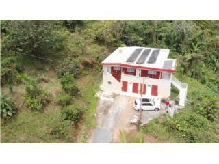 Casa de dos pisos con 2 5 acres de terreno y rio
