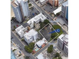 Vacant corner lot in Isla Verde