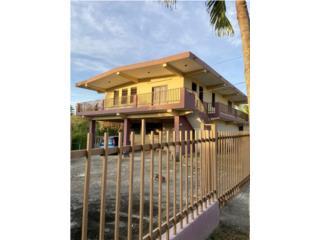 Casa en Barrio Ceiba Sur con amplio terreno